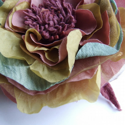 handcrafted corsage / brooch
