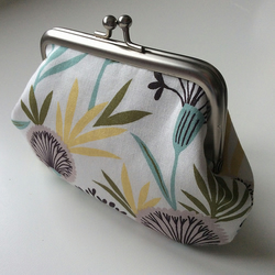 Retro dandelion print metal frame coin purse