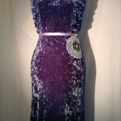 Size 6 cocktail dress. Velvet chic