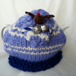 Jingle bells tea cosy