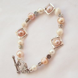 Pearl Bracelet, feeling peachy, Cultured Freshwater Pearl