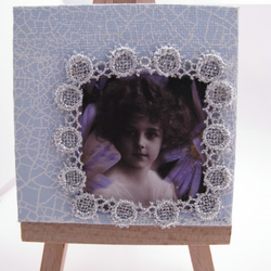 Mini Canvas, with Vintage Girl, Pale Blue, Lace