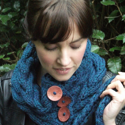 'Florence' buttoned hand knit buttoned cowl