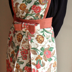 Pretty Flowery 50's style Apron
