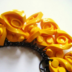 Lego TWIST AND BEND Manipulated bracelet