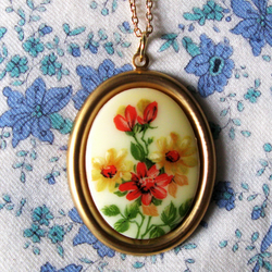 Yellow Floral Cameo