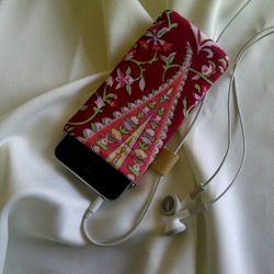 Paisley Pattern iPod case.