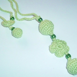 Soft Green Flower Necklace