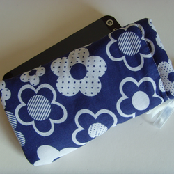 iPhone 5 Ipod Case Drawstring Pouch - Navy Flowers