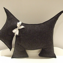 Felt Scottie Dog cushion