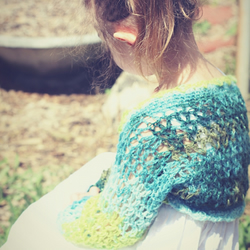 Shimmering Green Crochet Shrug Age newborn - 4