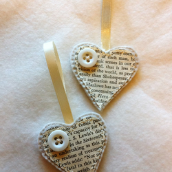 Happy Heart-Happy Home x First Wedding anniversary paper hearts Button pair set