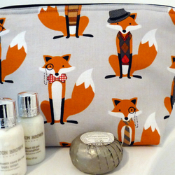 Wash bag, Toiletries bag. Sleepover. Foxes. Child gift. Woodland creatures