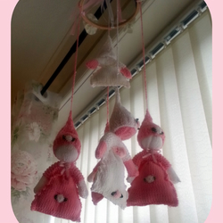 DOLLY BABIES NURSERY MOBILE by ROEY pattern and instructions