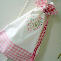 Personalised heart drawstring