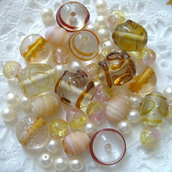 100 Decorative Glass Beads