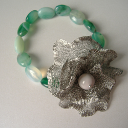 Green Agate Flower Bracelet  - Handmade - Genuine Gemstone