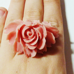 Rose Ring - A Rose Without A Thorn