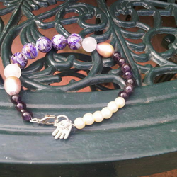 Purple's and Pearls Bracelet