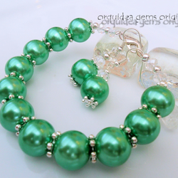 Tragoess: Light Green  Pearl, Crystal & Silver Beaded Bracelet and Earrings Set