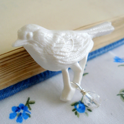 Little White Bird Crystal Pin Brooch
