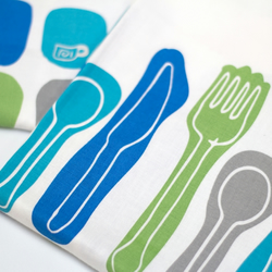 Set of 2 tea-towels - Utensils and Retro Jugs & Mugs - blue and green
