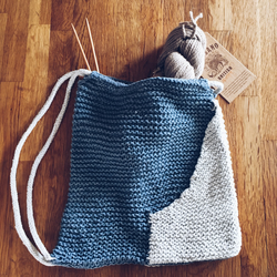 PDF Knitting pattern for handknitted drawstring bag with pockets