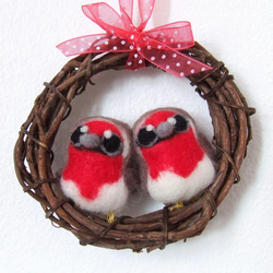 Needlefelted Red Breasted Robins Pair Mini Wreath with Felt Birds