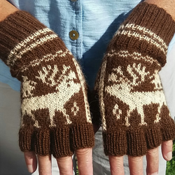 Half finger gloves in alpaca wool, The Girl and her Dream