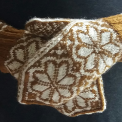 Hand knitted wool mittens, Norwegian Double Rose