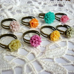 """oh so pretty""  flower ring"