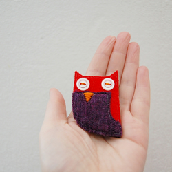 Wool Owl Brooch with Button Eyes