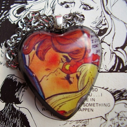 'dAy oF HeArTbReAk' ViNtAgE CoMiC NeCkLaCe
