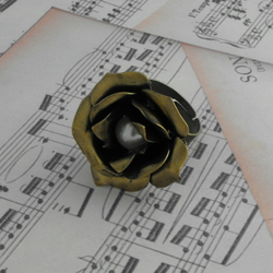 Tea Cup Rose with Pearl Ring