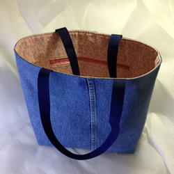 Shoulder tote shopping bag in upcycled blue jeans denim pink sprig cotton lining