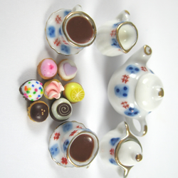 Doll house miniature tea set and cupcakes