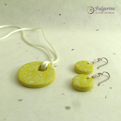 Yellow floral pattern earrings and pendant set, hypo-allergenic ear wires