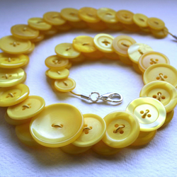 Canary Yellow Button Necklace FREE UK SHIPPING