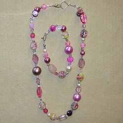 Pretty in Pink Necklace and bracelet set