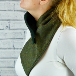 Buttoned Scarf - Dark Green Yorkshire Birdseye Tweed