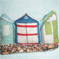 Beach huts brooch