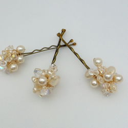 Cream Freshwater Pearl Hair Grips