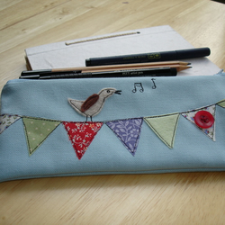 Bird on bunting - pencil case