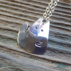 Sterling silver stylised cat pendant