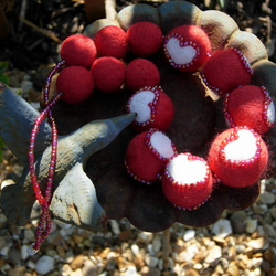 "Felt Necklace ""Queen of Hearts"""
