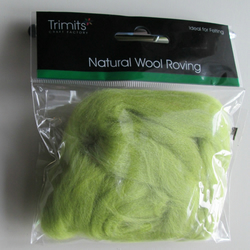 10g Natural Wool Roving in colour Pistacchio