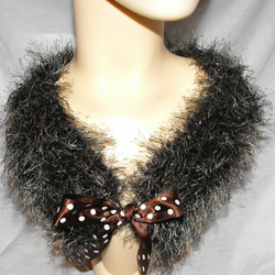 Knitted faux fur yarn collar/neckwarmer in cocoa and cream