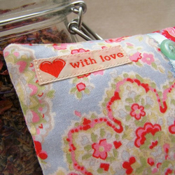 Spiced Flowers scented mini pillow