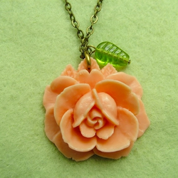 Just Peachy: Vintage rose necklace