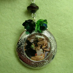 I'll get you my pretty! Wizard of Oz locket necklace